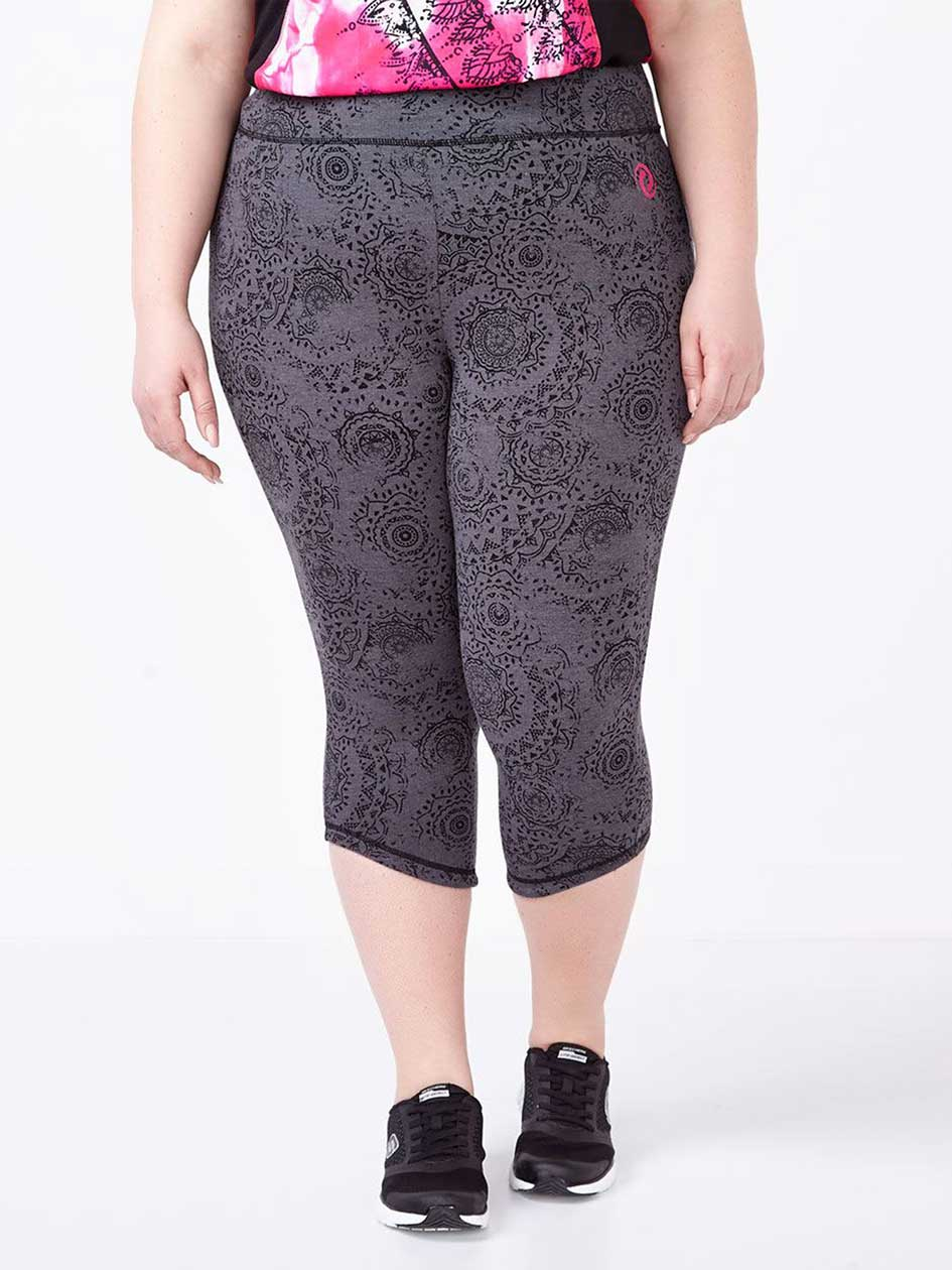 Essentials - Plus-Size Printed Capri Legging