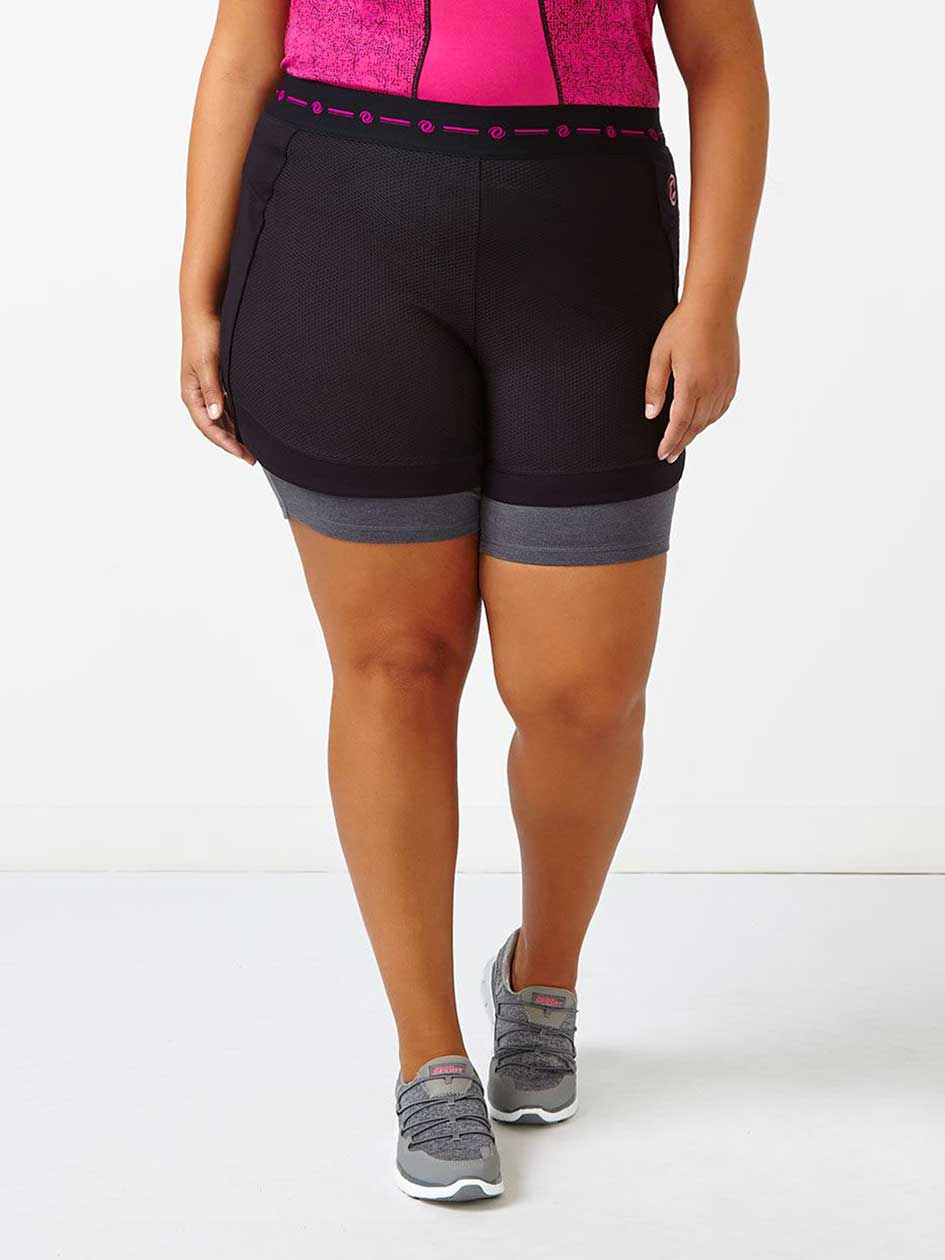 Essentials Tech - Plus-Size Short with Mesh