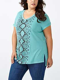 Relaxed Fit V-Neck Printed T-Shirt