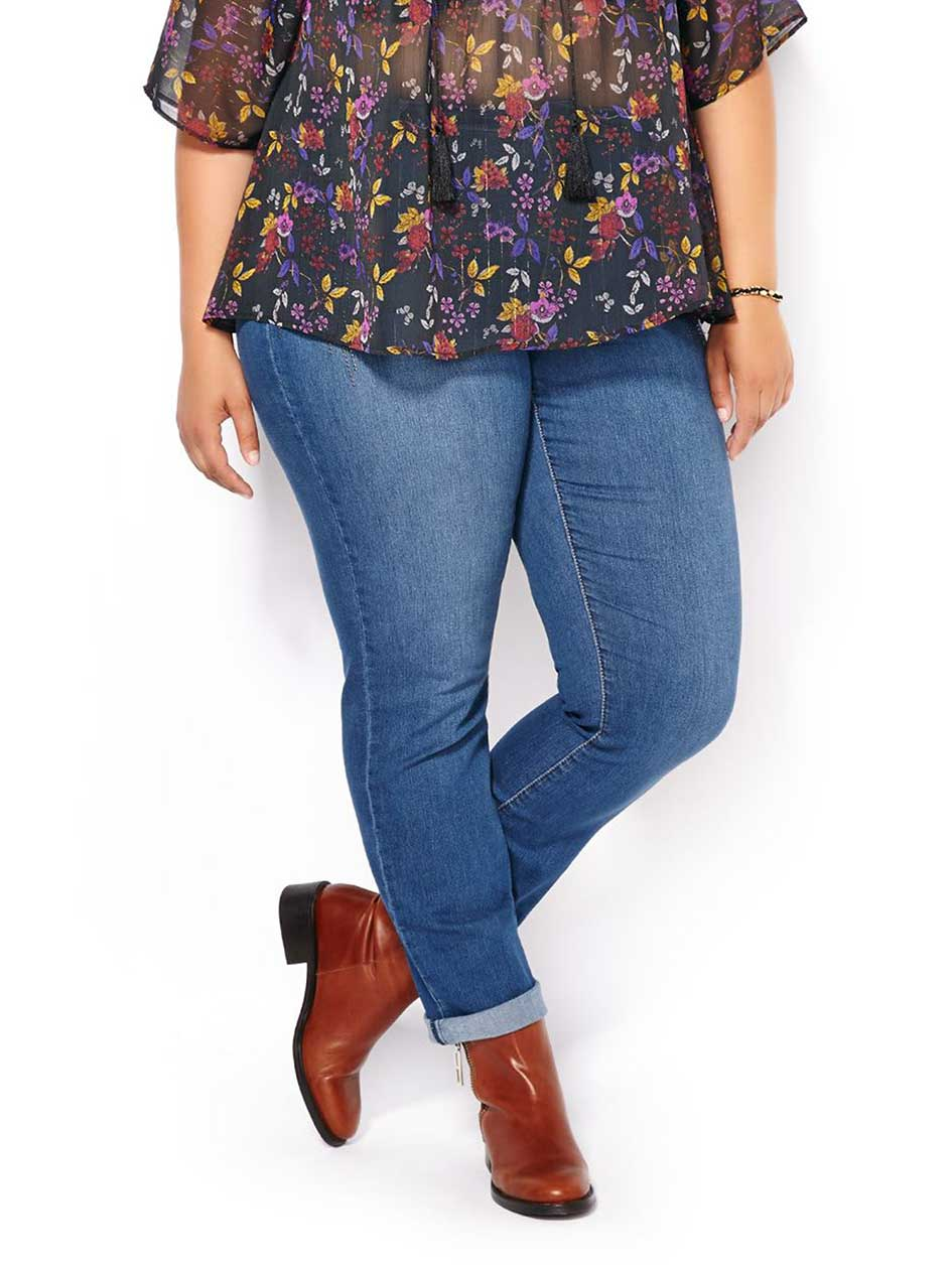 d/c JEANS Slightly Curvy Fit Straight Leg Studded Jean