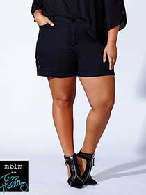 Tess Holliday - Lace Up Short