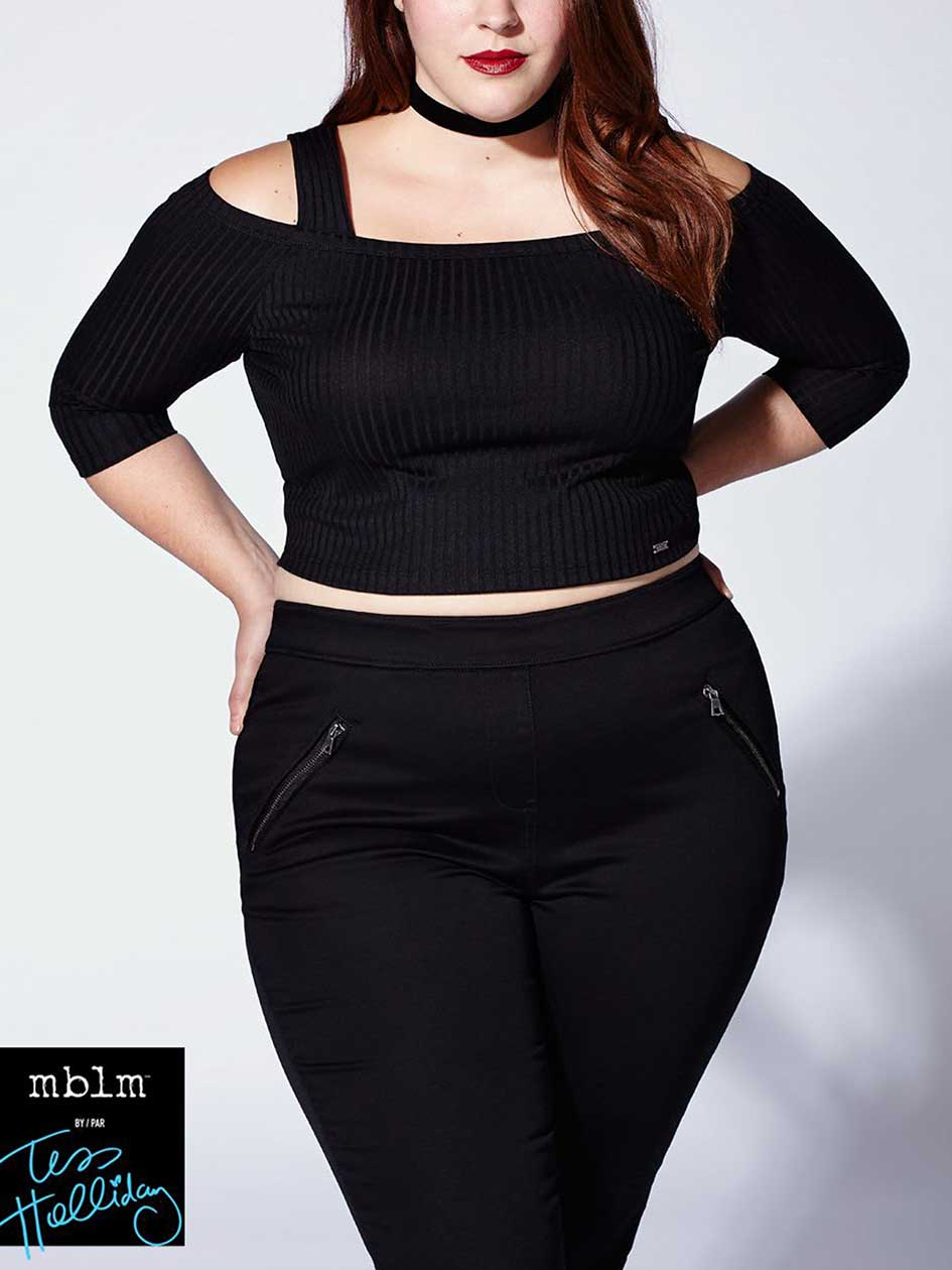 Tess Holliday - Off Shoulder Crop Top