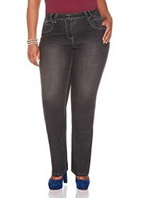 PETITE Slightly Curvy Fit Jean
