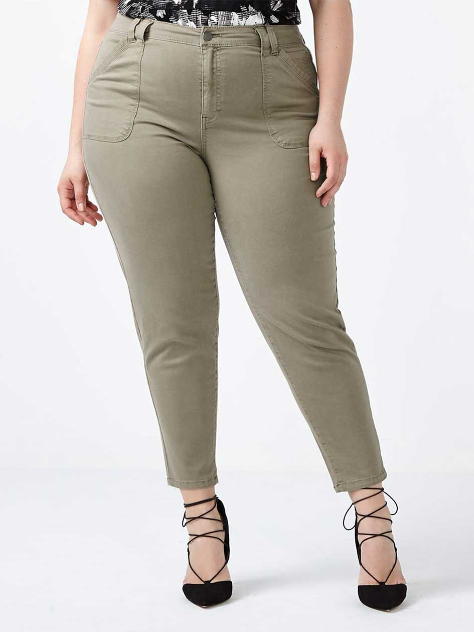 Slightly Curvy Fit Slim Chino Ankle Pant
