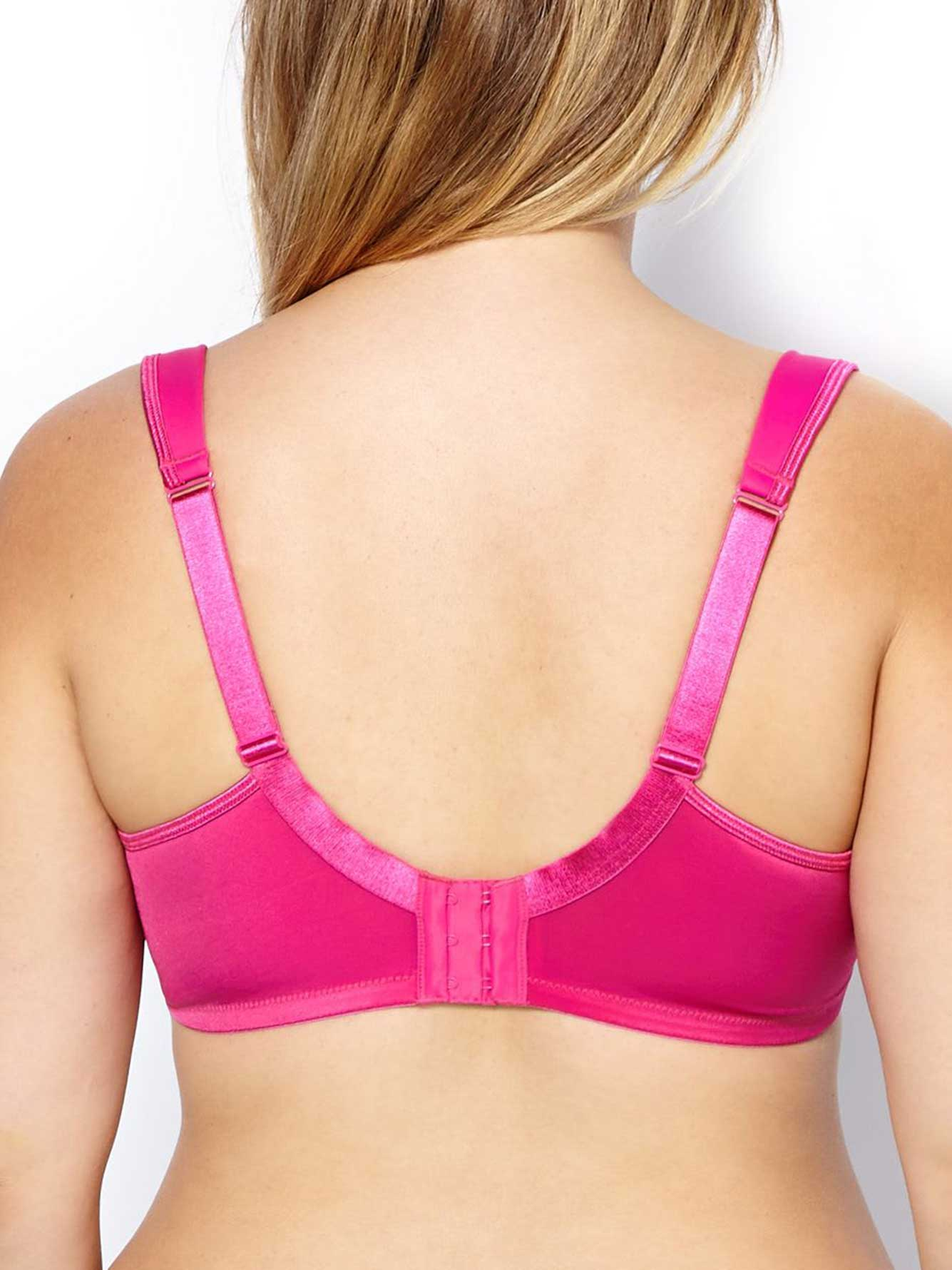 A great T-shirt bra is not the easiest thing to find. In an ideal world, it would be seamless, fit as comfortably at the beginning of the day as it does the end, and for the love of God simply not.