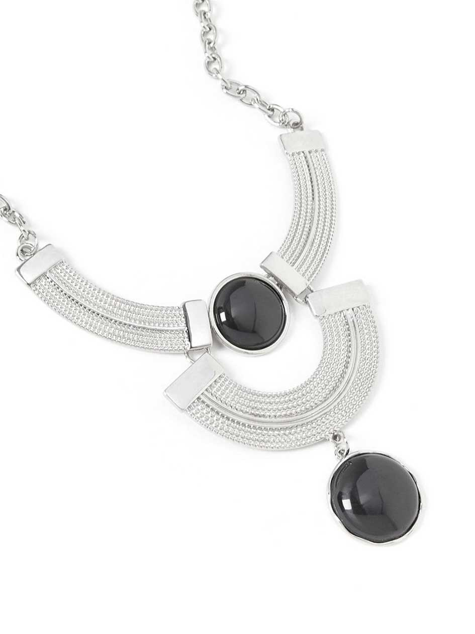 Short Necklace with Black Stones