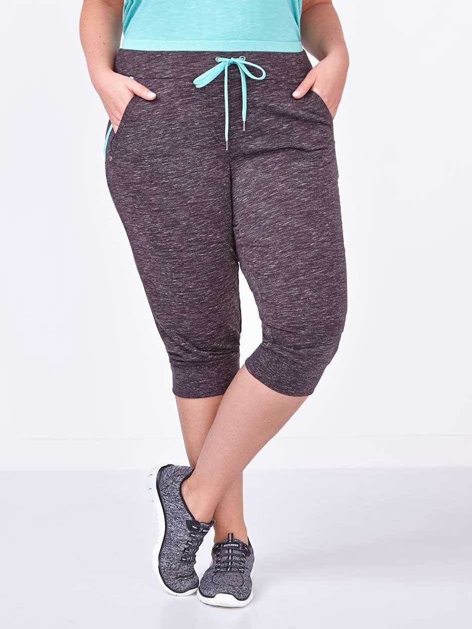 Athleisure - Plus-Size Capri.Black.X