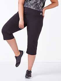 Essentials Tech - Plus-Size Printed Capri