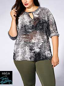Tess Holliday - Long Sleeve Printed Blouse with Keyhole