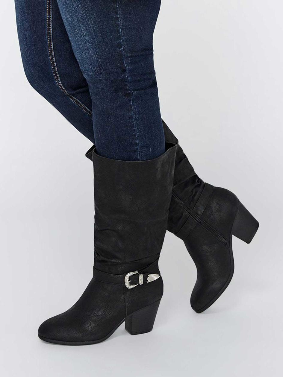 3af1bd3f8f14f Soldes chaussures, souliers, botillons, talons, bottes pied large ...