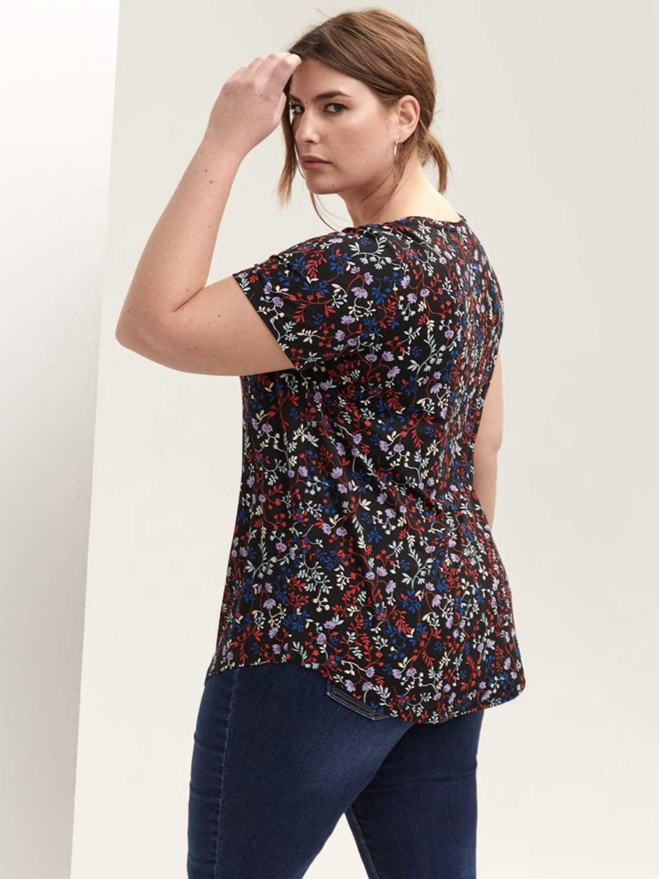 Modern Fit Printed V-Neck T-Shirt - Michel Studio