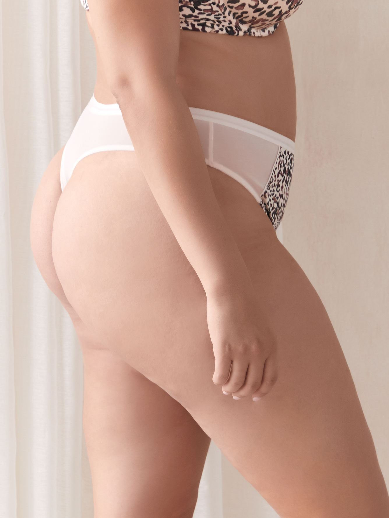 Animal Print Thong Panty - Déesse Collection