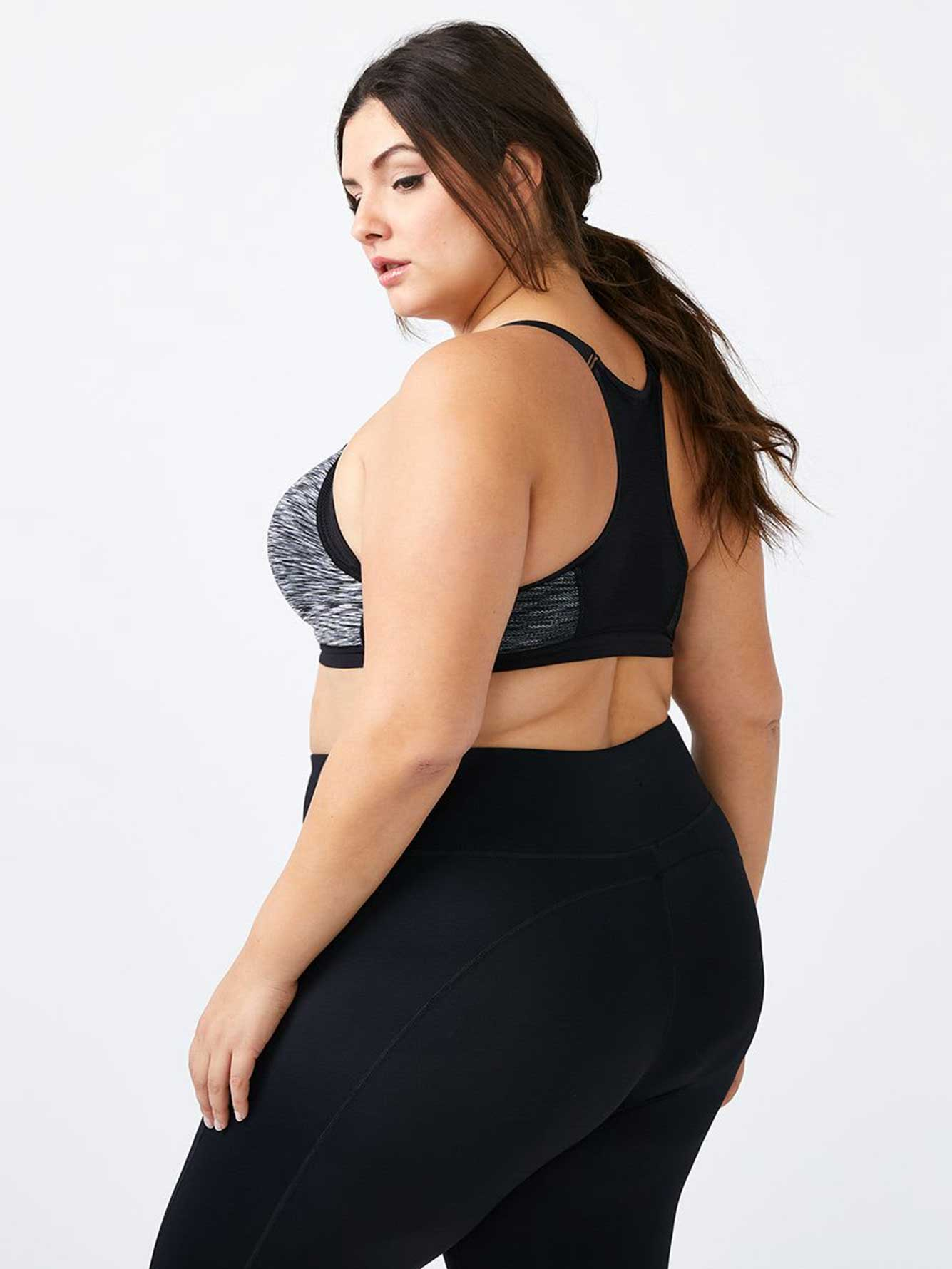 Plus-Size Sports Bra with Zip - ActiveZone