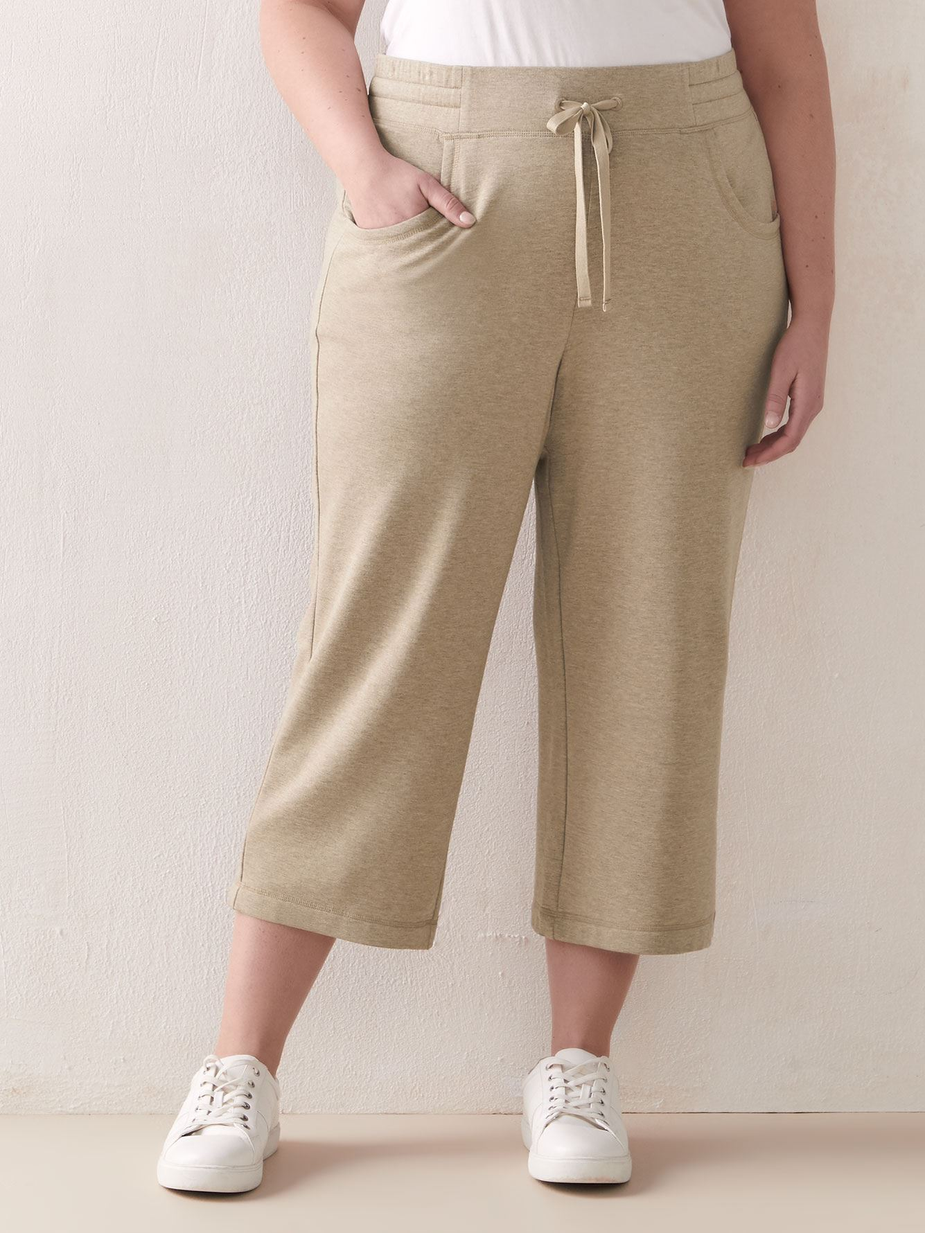 Cropped French Terry Joggers - ActiveZone