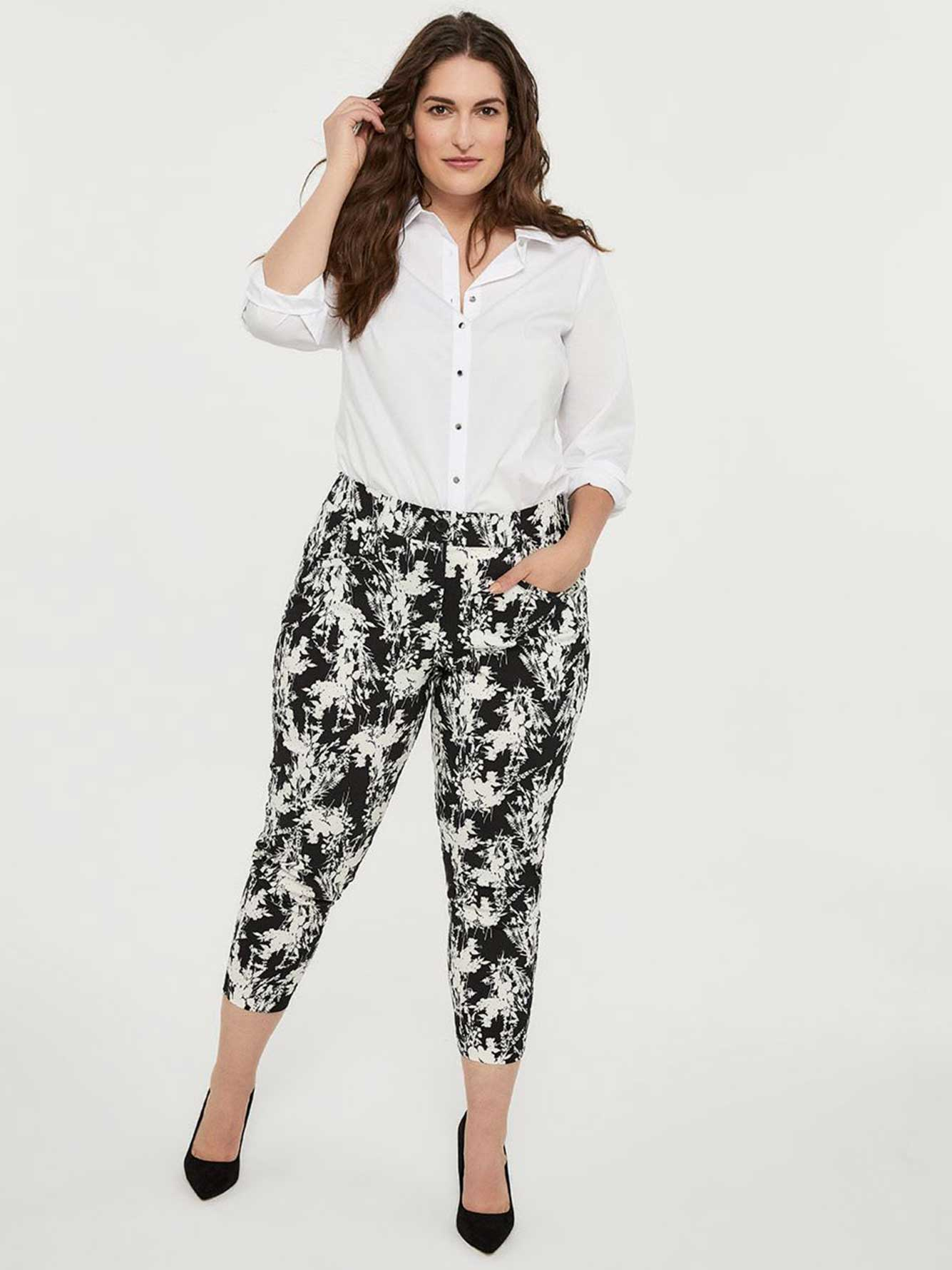 Printed Universal Fit Slim Leg Ankle Pant - In Every Story