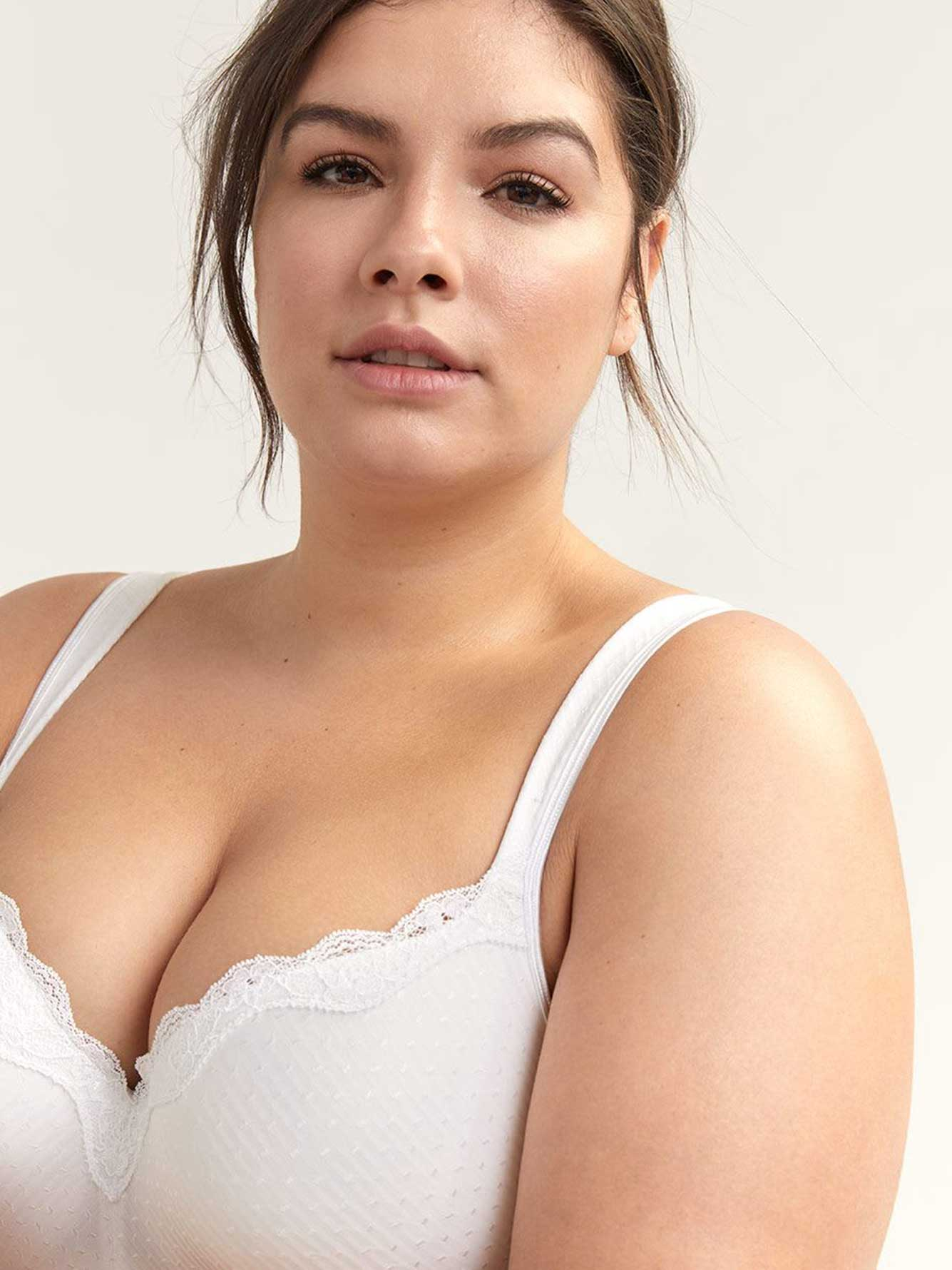 Padded T-Shirt Bra with Lace - ti Voglio