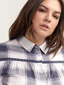 Plaid Blouse with 3/4 Flutter Sleeves - d/C JEANS