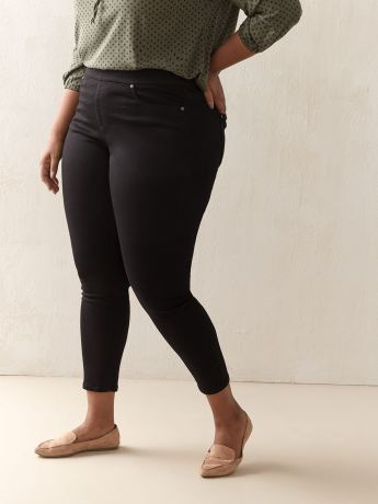 Universal Fit, Black Jegging - d/C JEANS