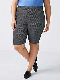 Savvy Printed Bermuda Short - In Every Story