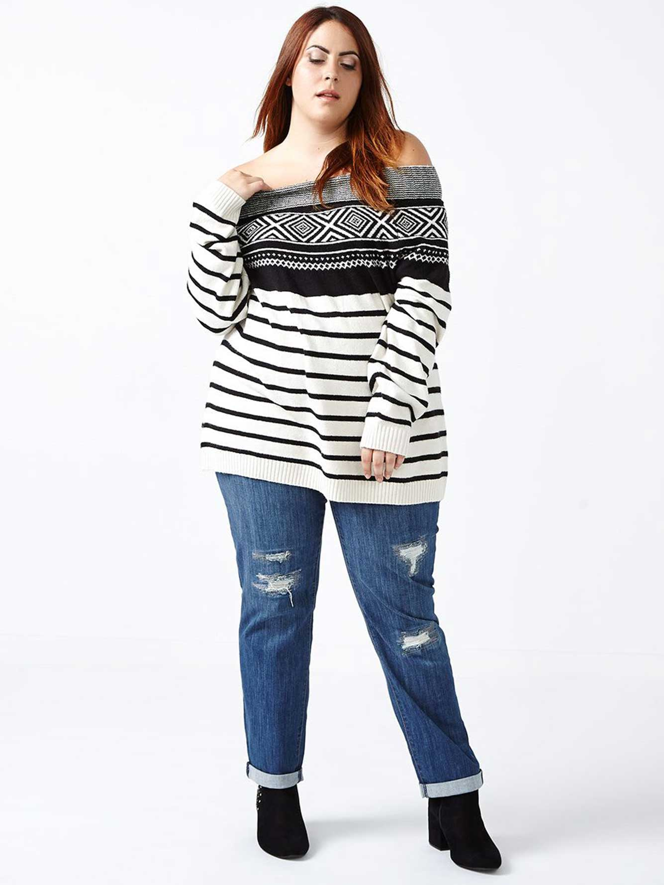 d/c JEANS - Long Sleeve Patterned Sweater