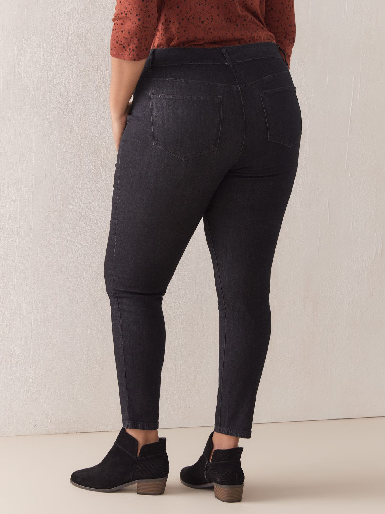 Universal Fit, Ultra-Stretchy Black Jegging - d/C JEANS