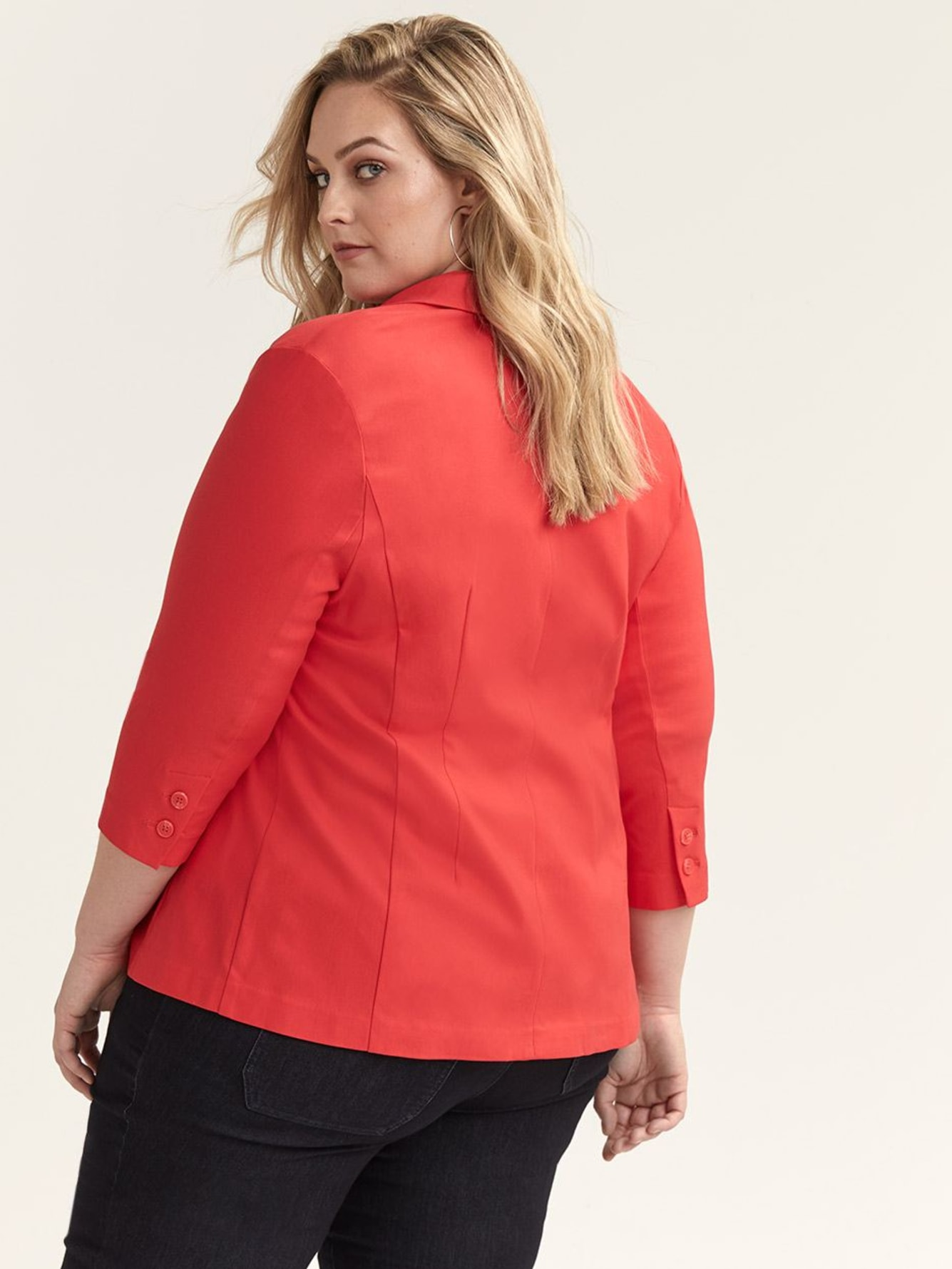 3/4 Sleeve Short Fitted Blazer - In Every Story