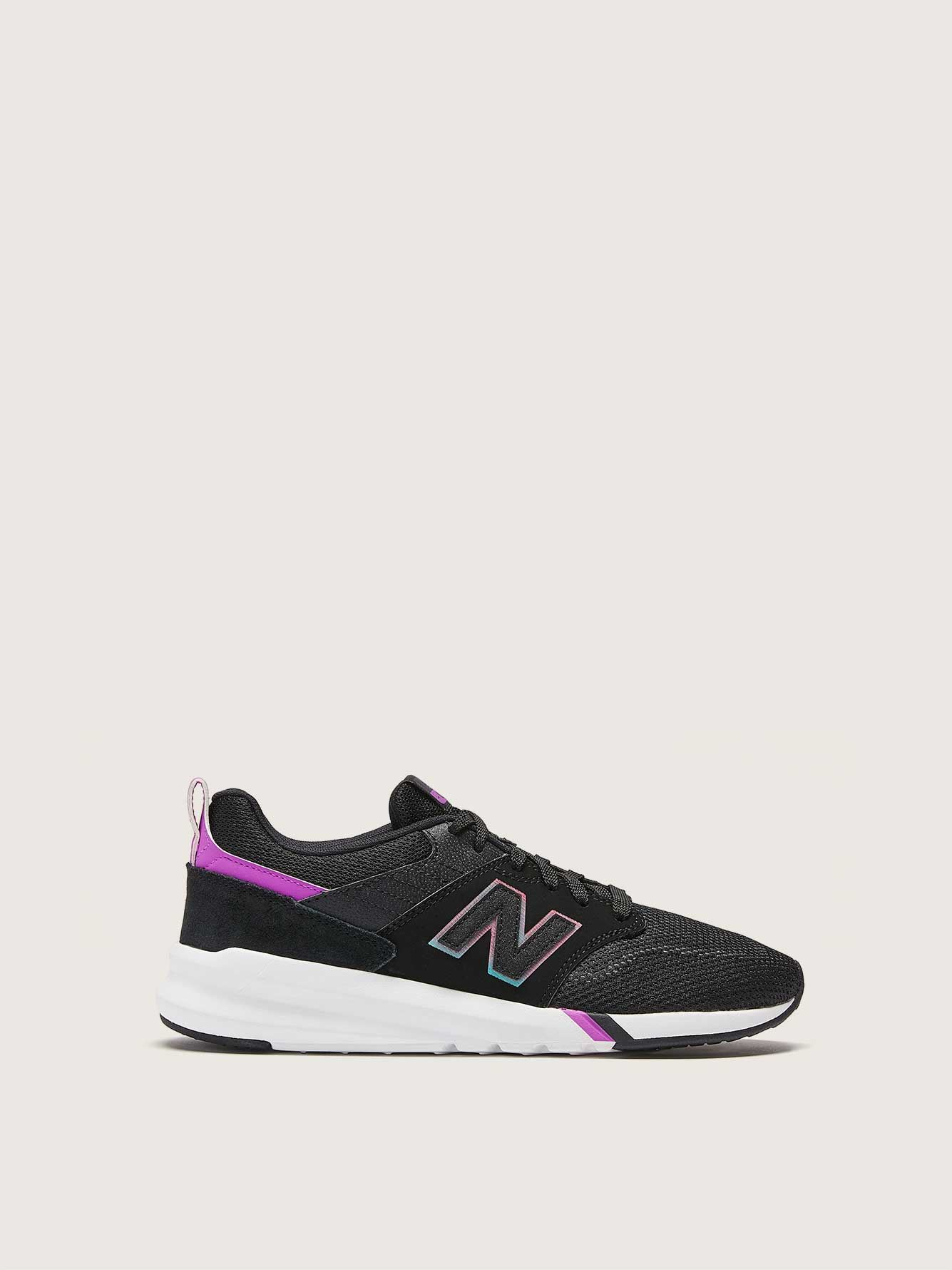 low priced 4ea07 7a6be New Balance, Classic Retro - Wide Width Sneakers