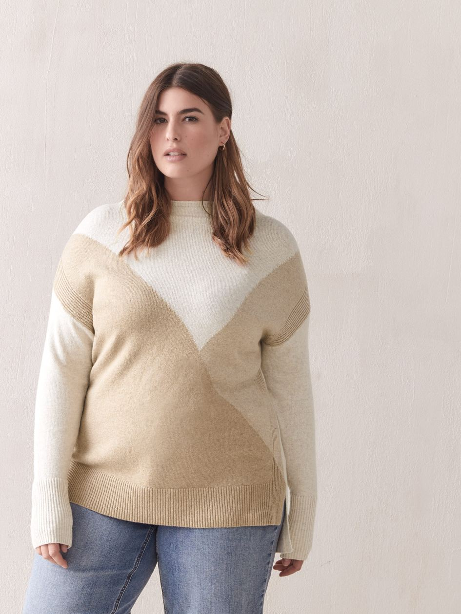 Color-Block Hi-Low Sweater - In Every Story