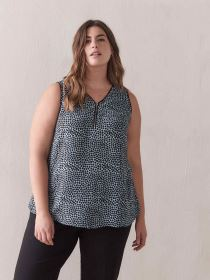 Sleeveless Blouse with Front Zip - In Every Story