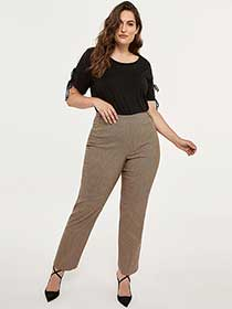Petite Savvy Printed Straight Leg Pant - In Every Story