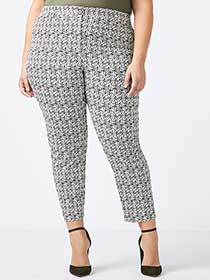 Savvy Chic Printed Ankle Pant - In Every Story