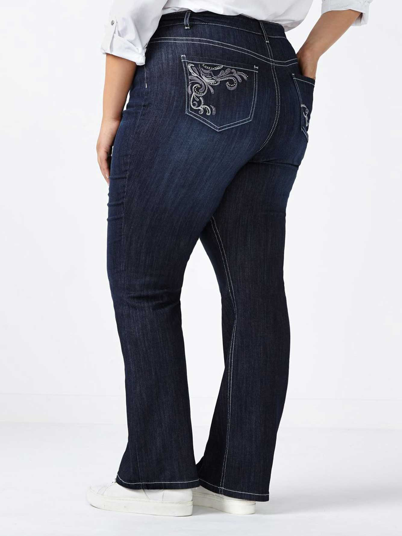 d/c JEANS - Petite Slightly Curvy Fit Bootcut Jean