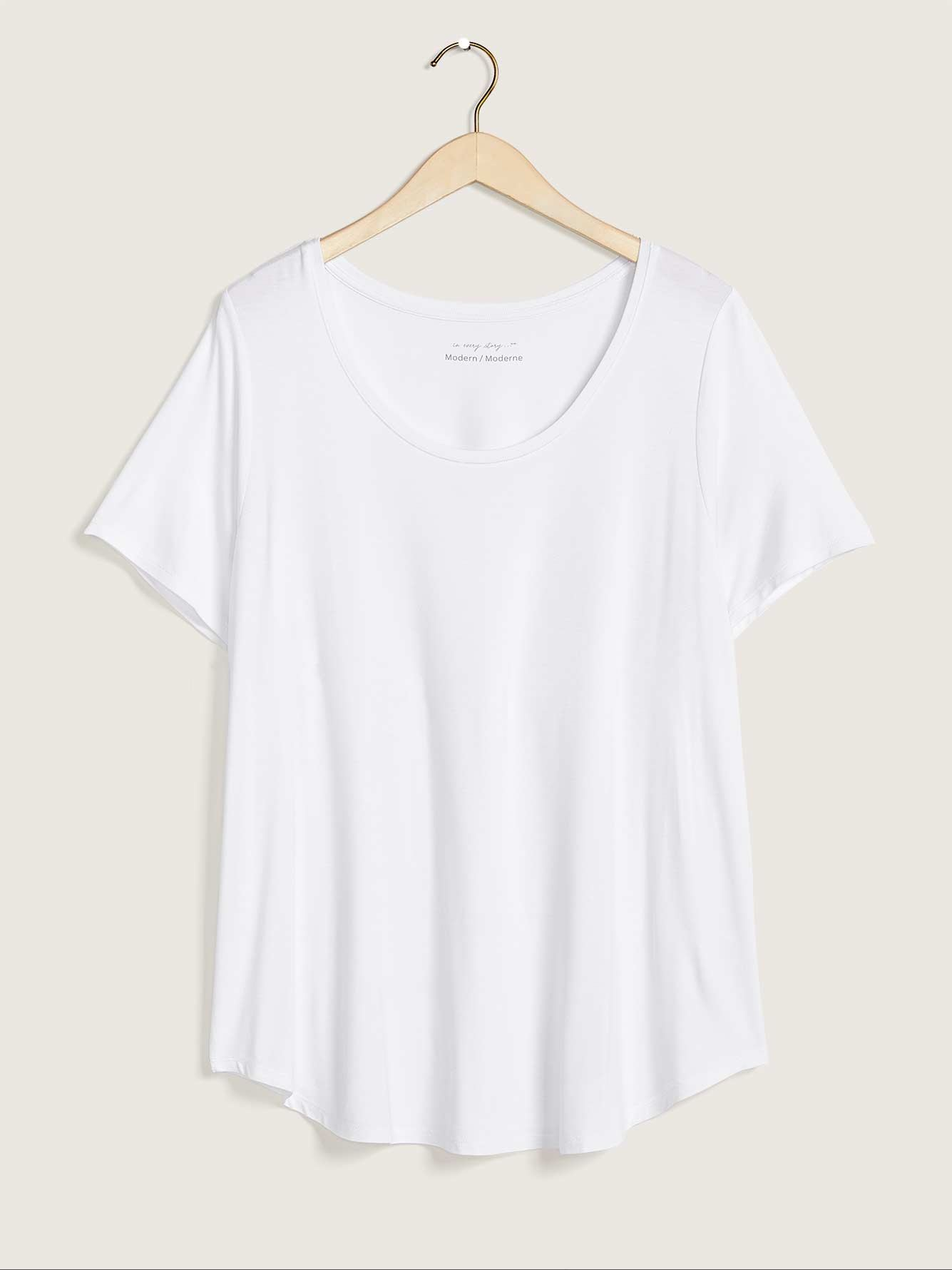 Modern Fit Solid Scoop Neck Tee - In Every Story