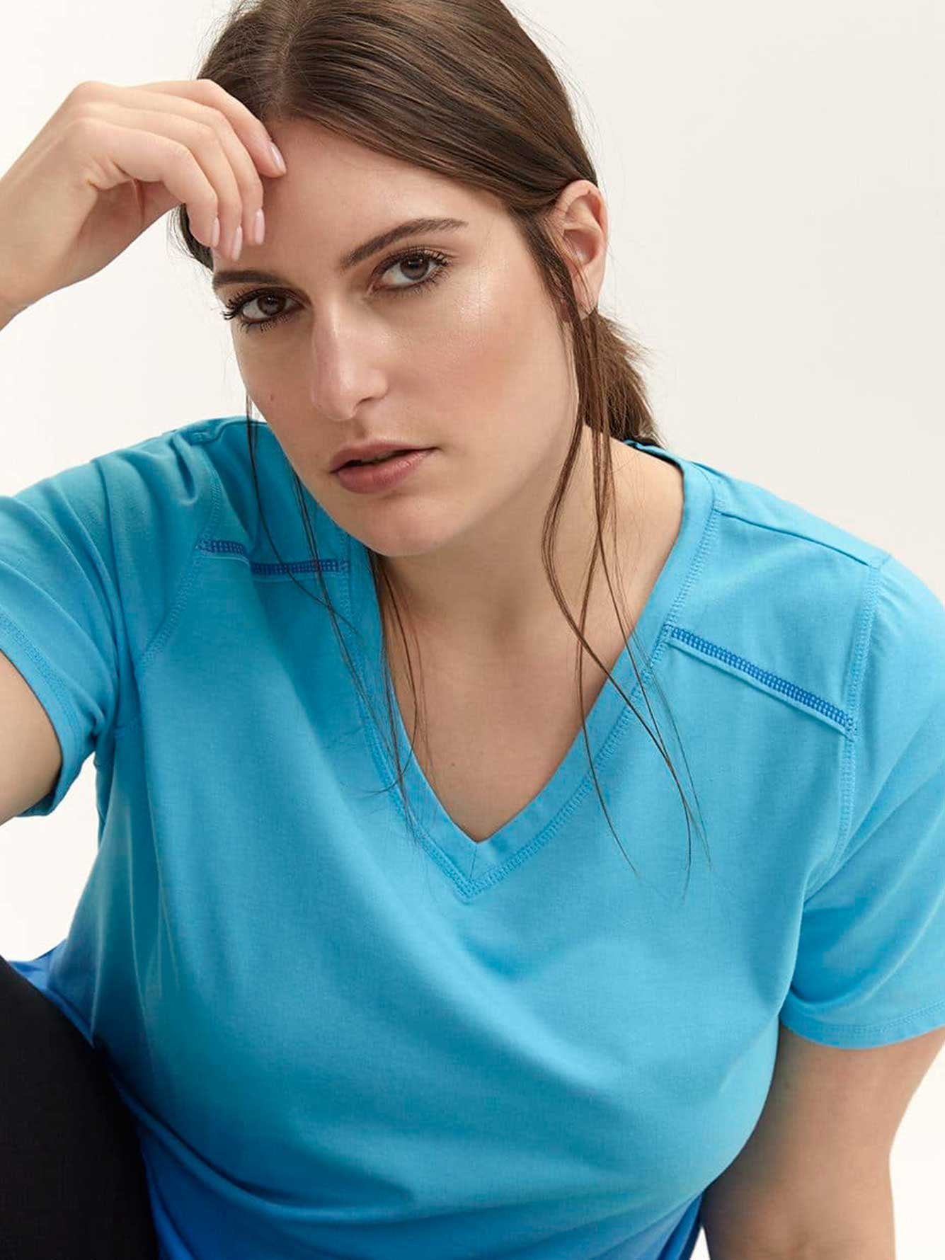 Plus Size Ombre T-Shirt with Keyhole - ActiveZone