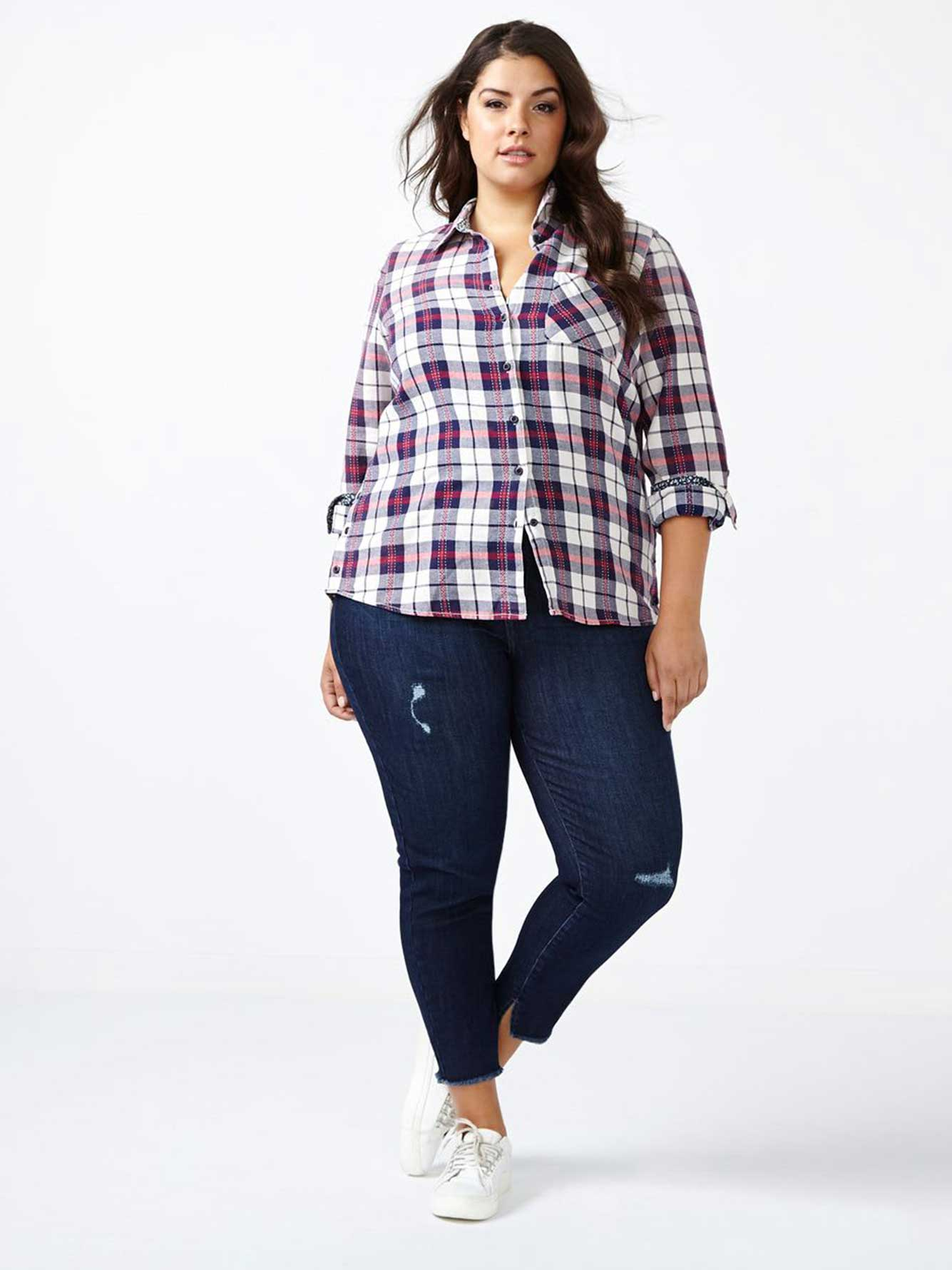 What to wear with plaid shirt and jeans — photo 1