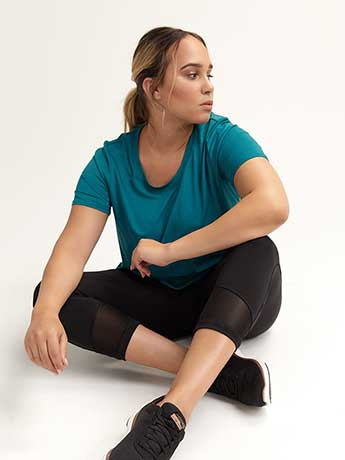 Capri Legging with Mesh Inserts - ActiveZone
