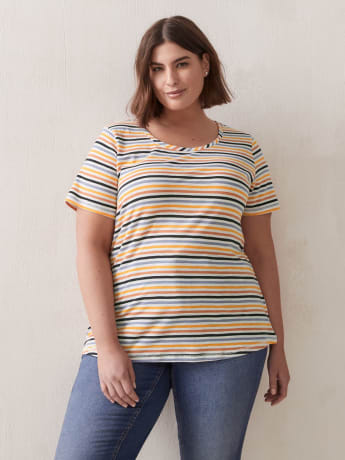 Curvy-Fit Printed Crew-Neck Tee - In Every Story