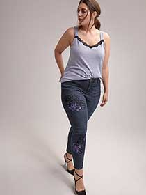 Petite Slightly Curvy Straight Leg Girlfriend Jean - d/C JEANS