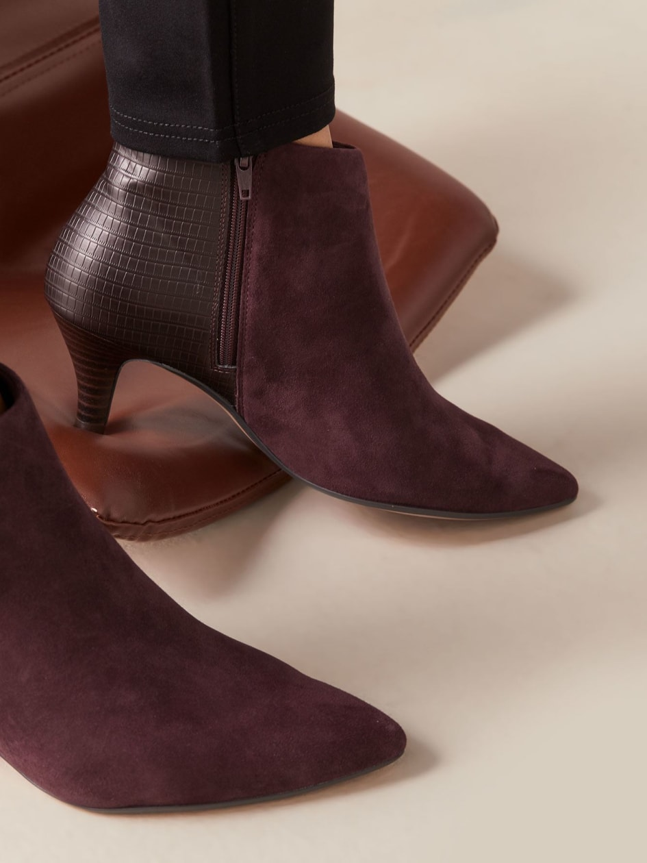 Wide Suede Linvale Sea Bootie - Clarks
