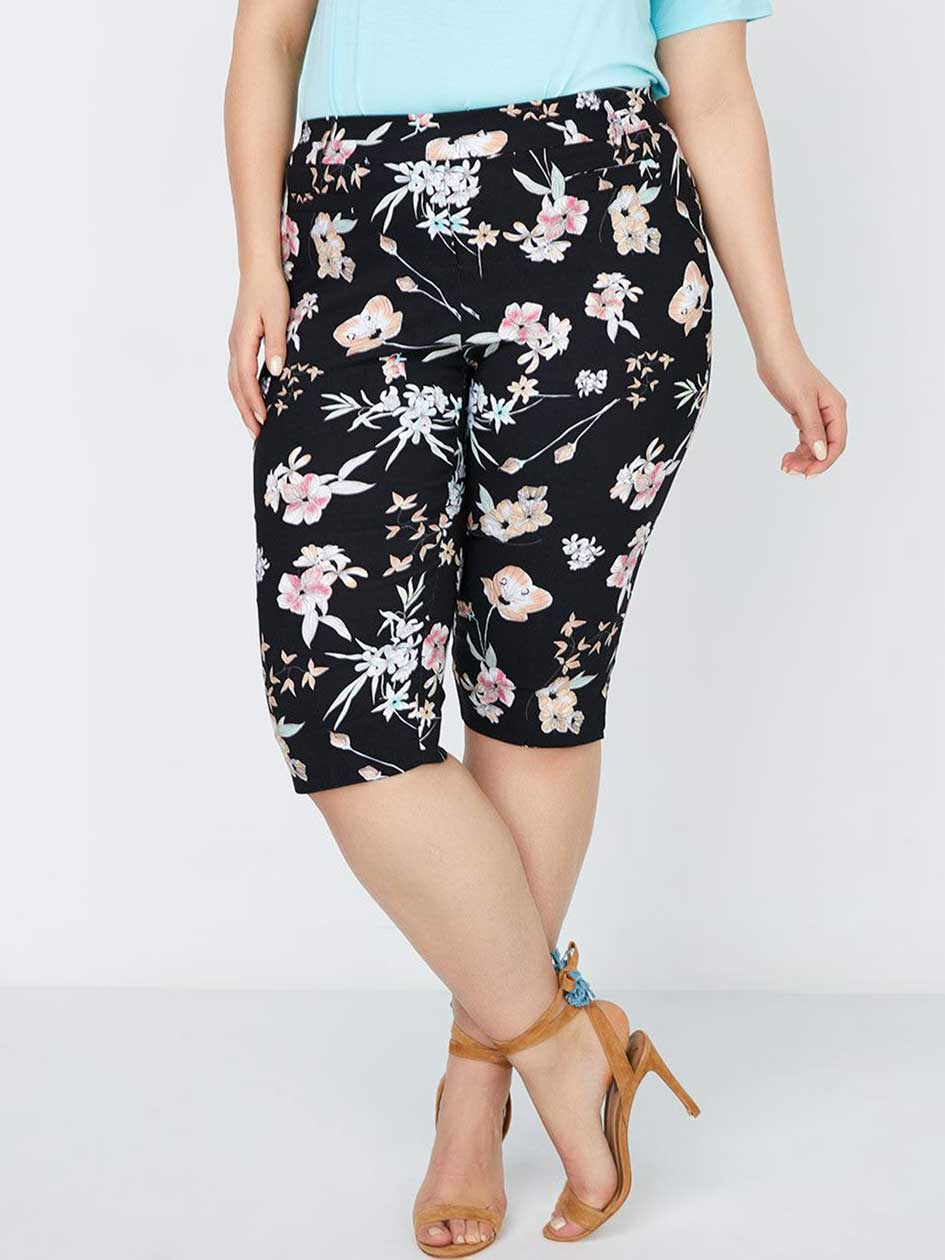 Petite - Savvy Floral Print Capri - In Every Story