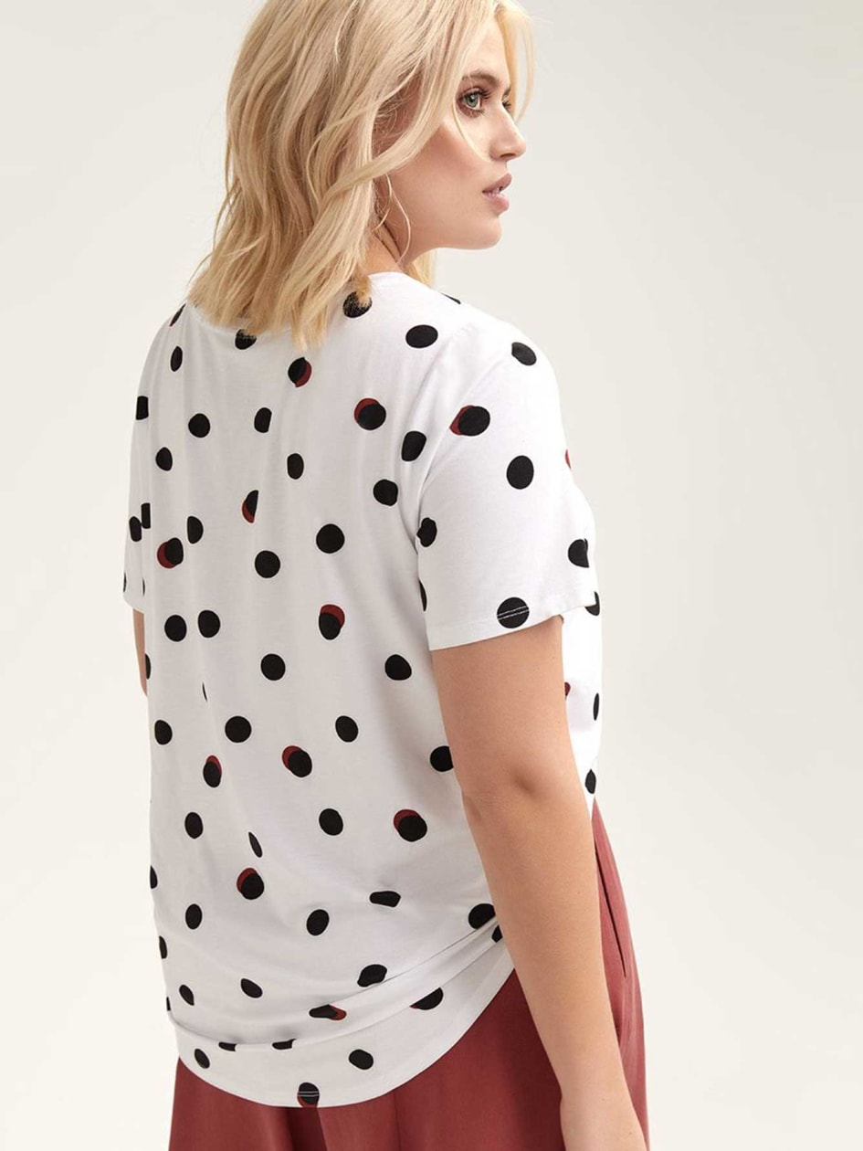 Modern Scoop-Neck T-shirt with Print - Michel Studio