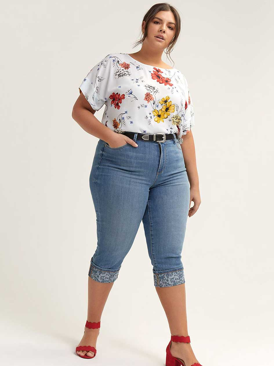 Slightly Curvy Straight Leg Capri with Printed Rolled Cuffs - d/C JEANS