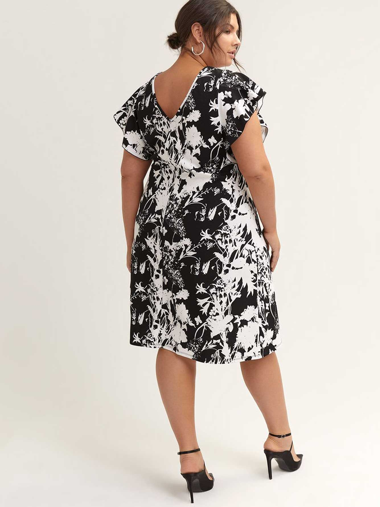 Printed Flutter Sleeve Trapeze Dress - In Every Story