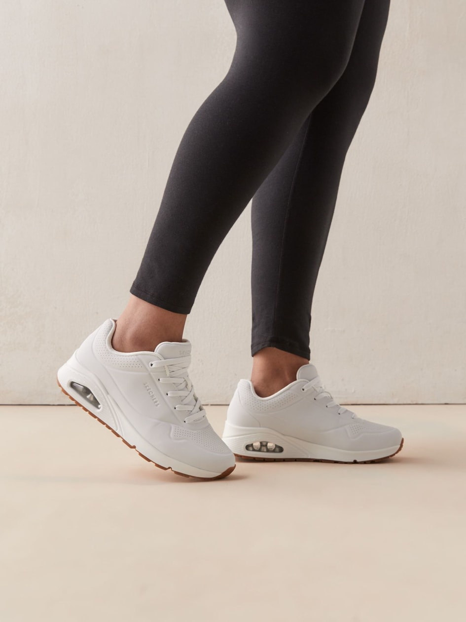 Wide-Fit, Uno Stand On Air Sneakers - Skechers