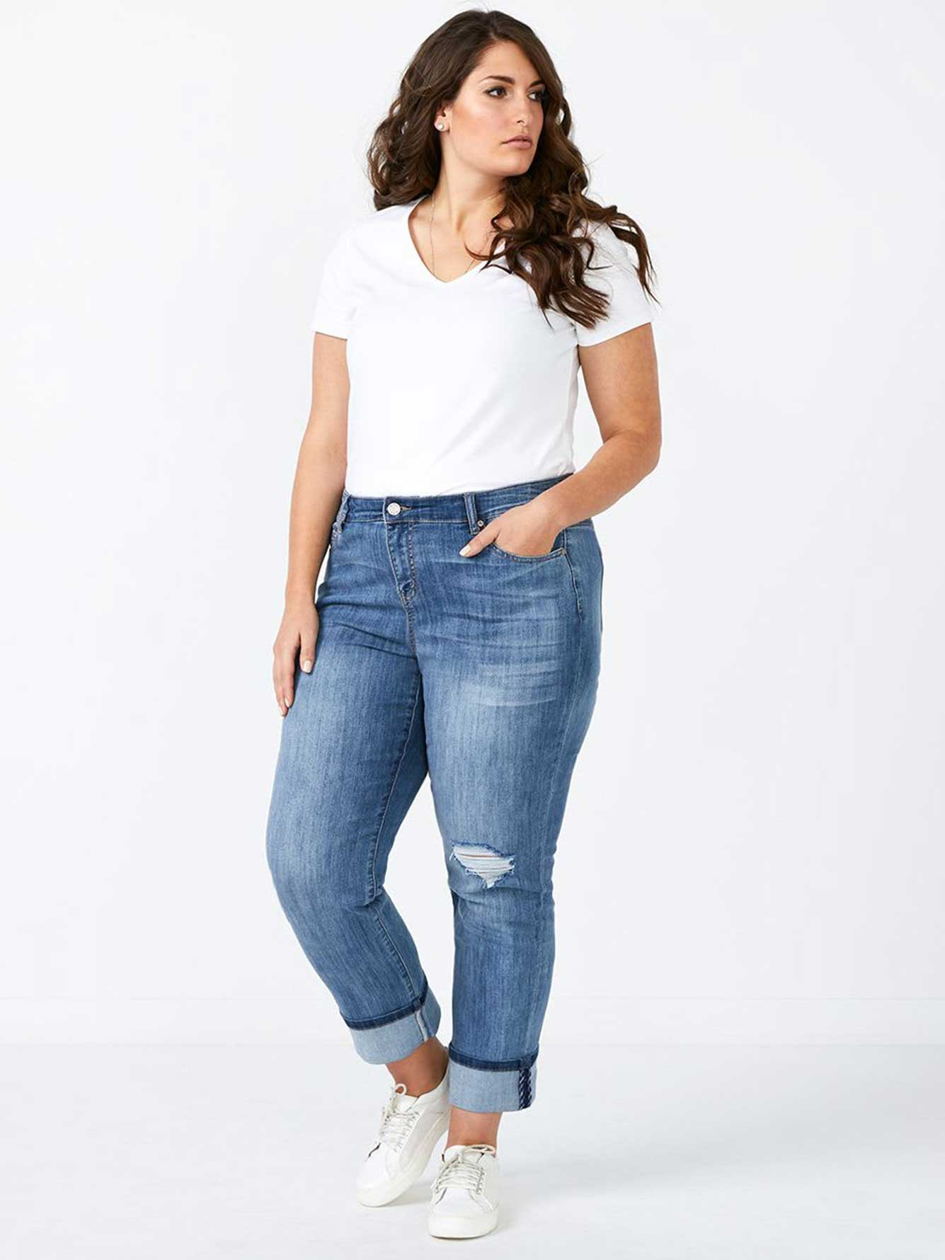 d/c JEANS Straight Fit Distressed Boyfriend Jean