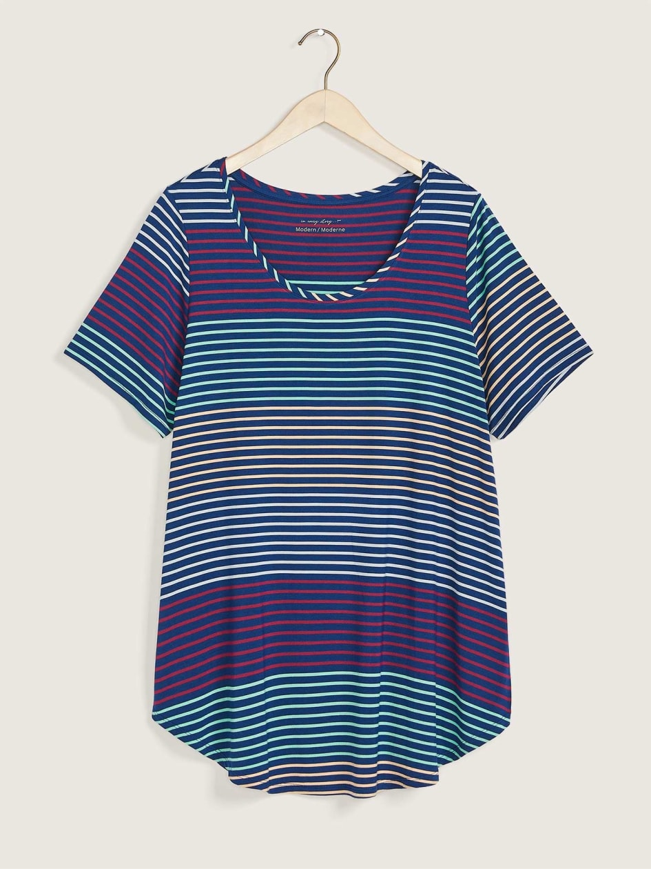 Modern-Fit Scooped Neck Printed Tee - In Every Story