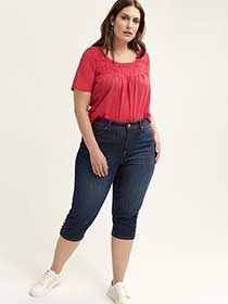 Petite Slightly Curvy Straight Leg Denim Capri with Buttons - d/C JEANS