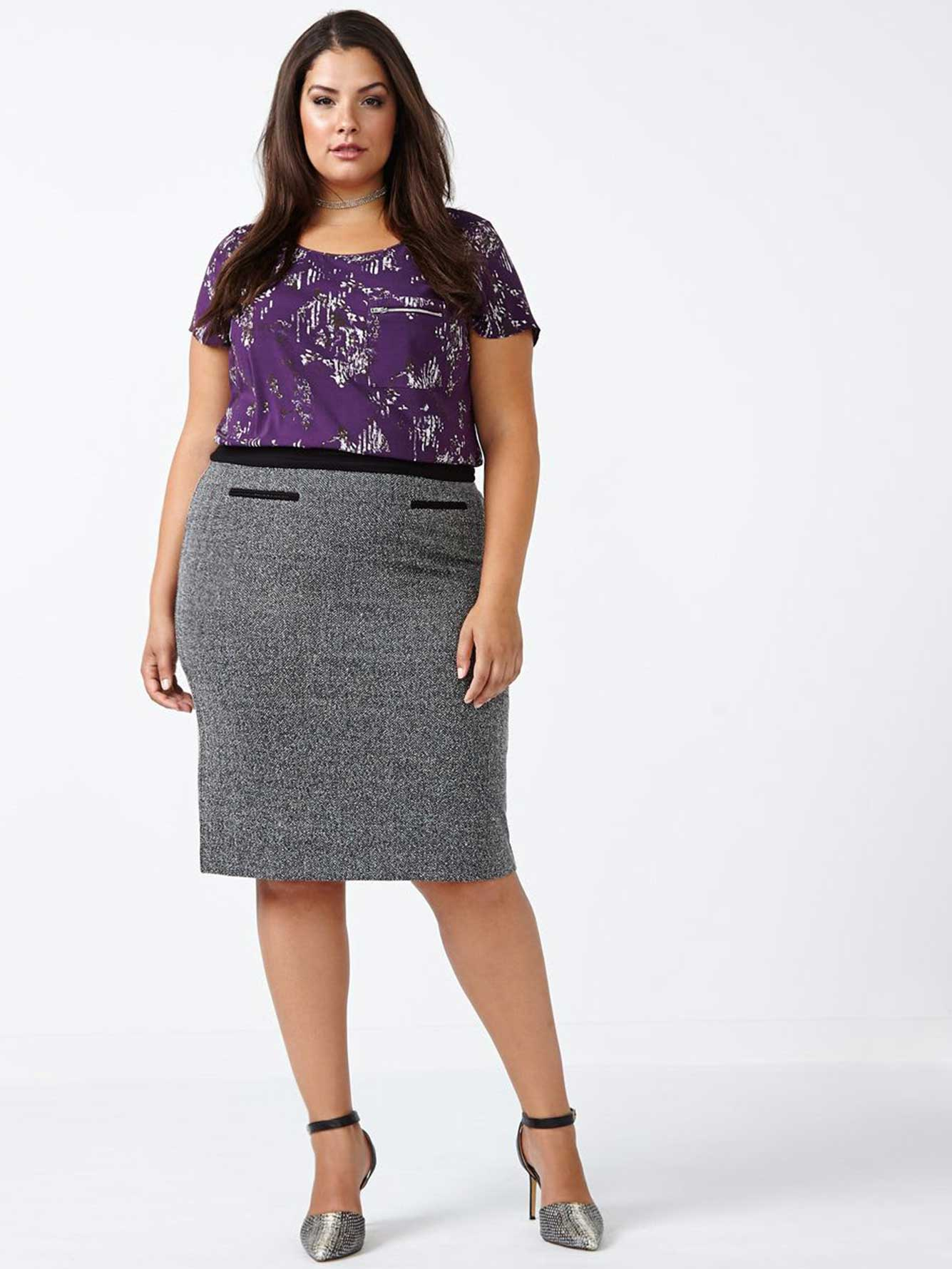 Pattern of a universal skirt - a pencil skirt is required in the work of each master
