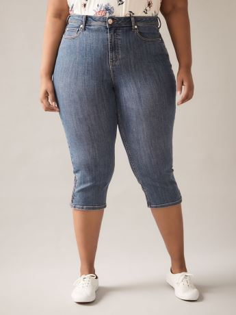 Curvy Fit, Straight-Leg Blue Denim Capri - In Every Story