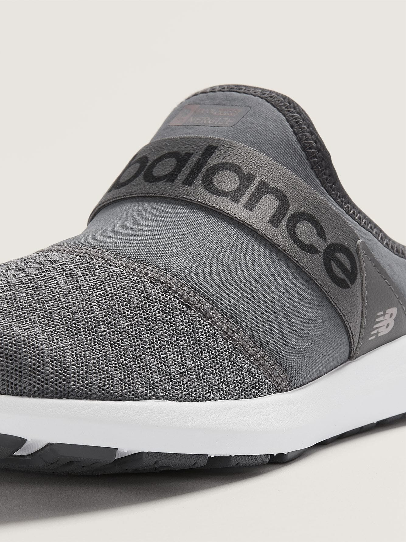 Mules Fuelcore Nergize, pieds larges New Balance
